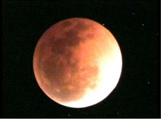 Blood Moon Eclipse - screenshot from the live video streaming at Springbrook Research Laboratory in Queensland